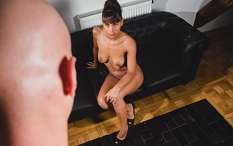 Casting Blowjob with Isabella Chrystine thumb 1